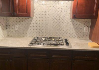 kitchen backsplash above stovetop
